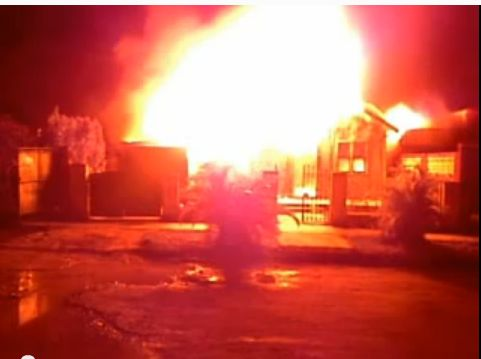 FireShot Screen Capture #449 - 'INCENDIO VS TIEMPO - YouTube' - www_youtube_com_watch_v=NypUbfOELRs