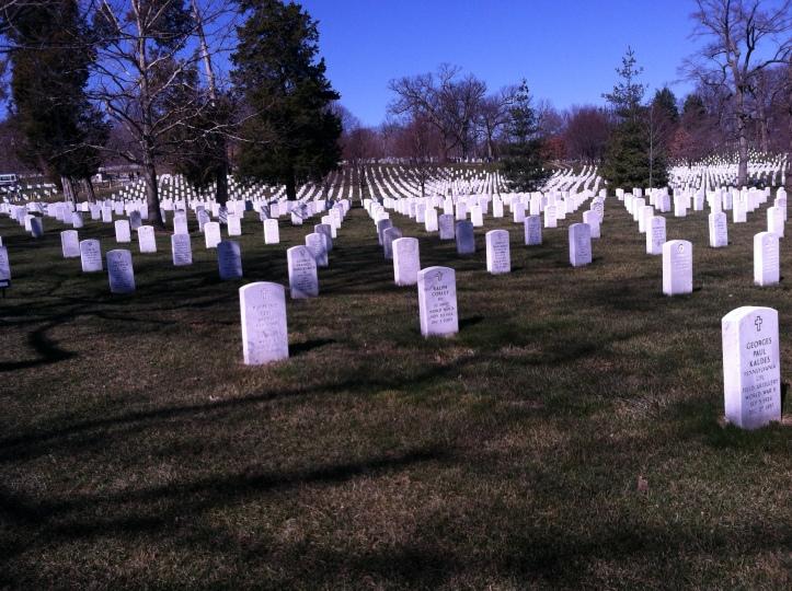 tumbas en el Cementerio de Arlington