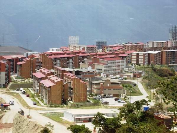 Venezuela construye con cemento cubano