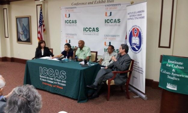 Fariñas en Casa Bacardi de Miami durante una conferencia auspiciada por el Instituto de la Memoria Histórica