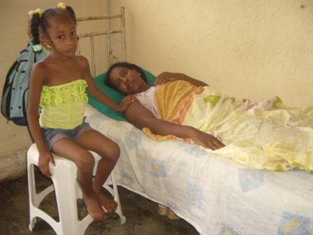 Damaris Moya Portieles y su hija de 6 an'os Lazara Contreras Moya