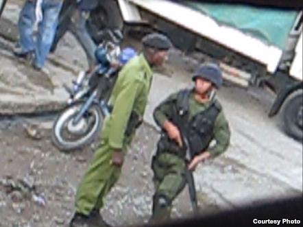 imágenes captadas por ciudadanos de Palma Soriano durante allanamiento a casa de Campa