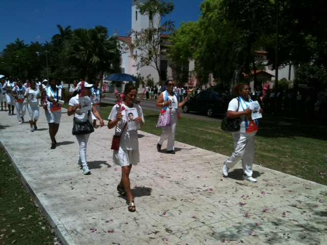 Al finalizar la marcha fueron reprimidas junto a unos 40 hombres