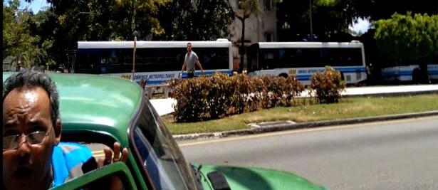 Agente Camilo en jornada de represion domingo 4