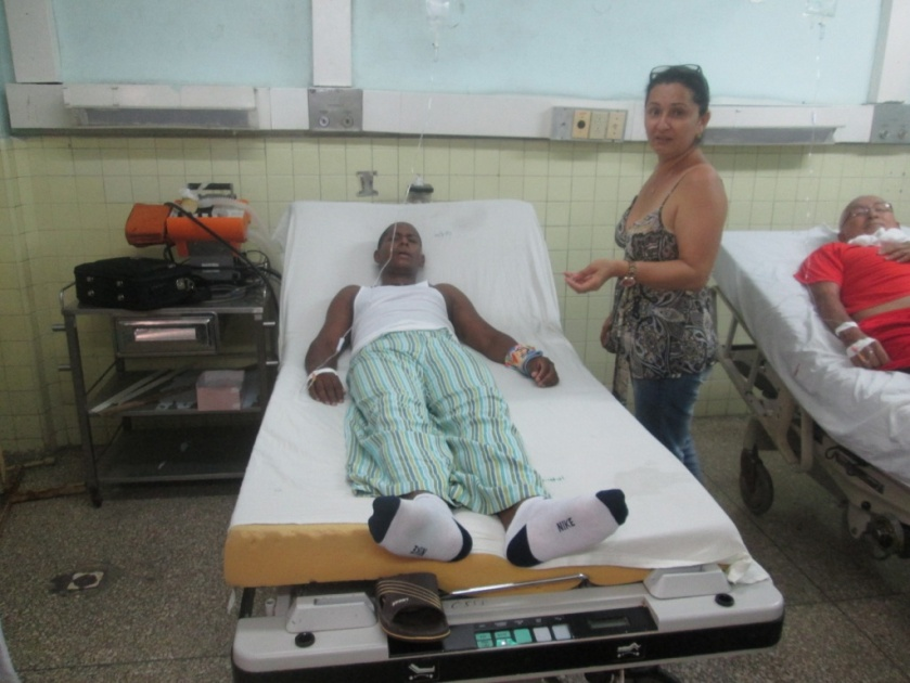 Jesús Hernádez en sala de urgencias Hospital Arnaldo Milián Santa Clara 5 de agosto