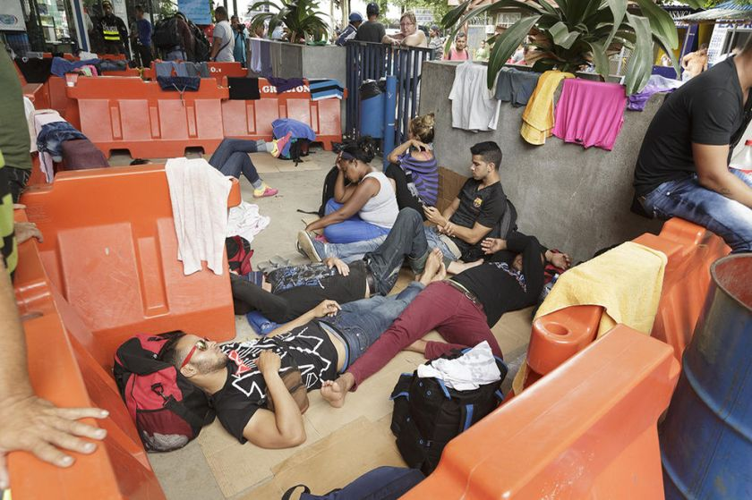 8 Cubanos-atrapados-zona-fronteriza_LNCIMA20151116_0252_28