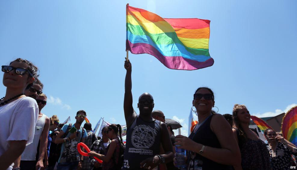 Cuba: lemas, congas yexclusiones