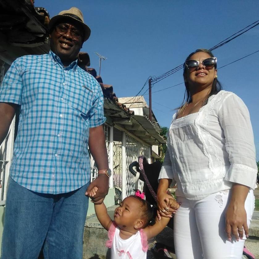 Antúnez su esposa Magalis Rivaflecha y la pequeña Alejandra hija del matrimonio